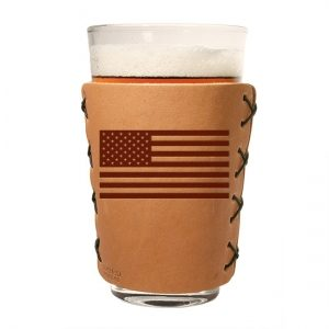 Classic Leather Pint Sleeve